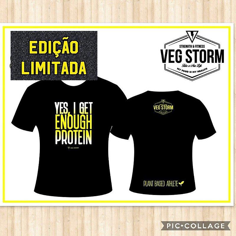 Camiseta dry fit preta com amarelo