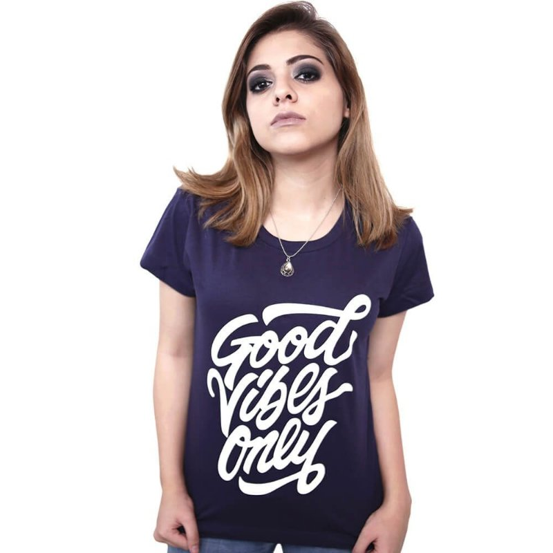 Camiseta Good Vibes Only