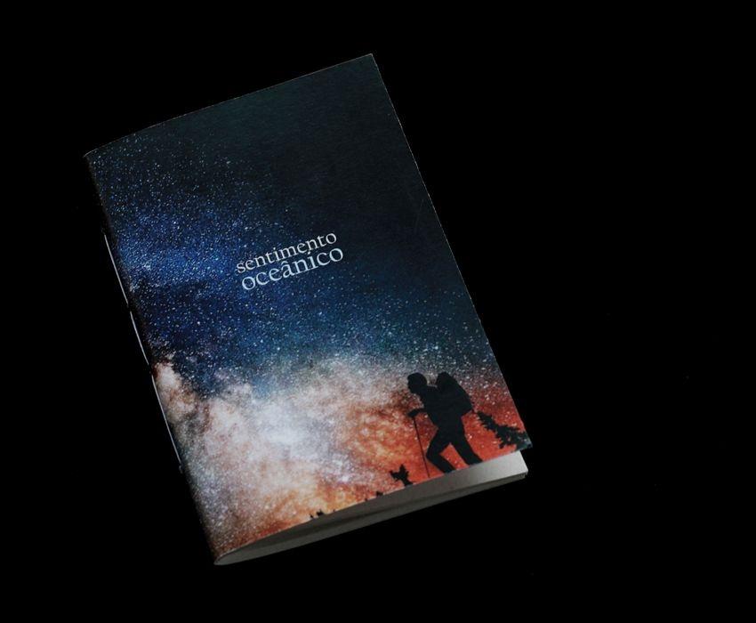 Caderno artesanal de bolso A6 com capa em papel perolado - Sentimento oceânico