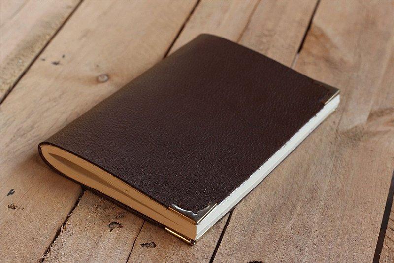 Caderno artesanal de couro café formato A6 Bodoque