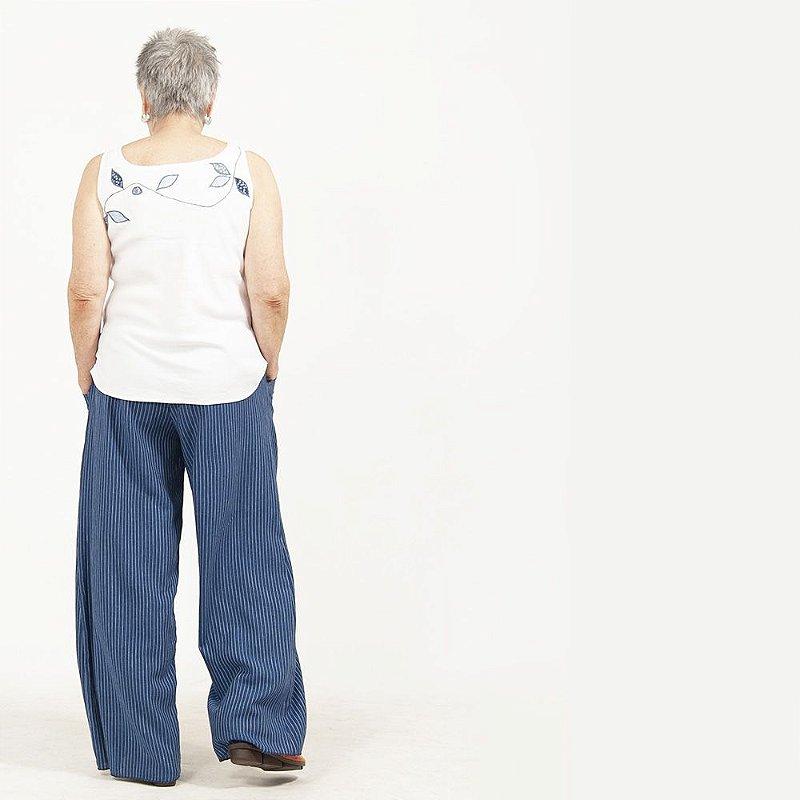 Calça Pantalona Plus Size de Linho Risca de Giz Azul Navy