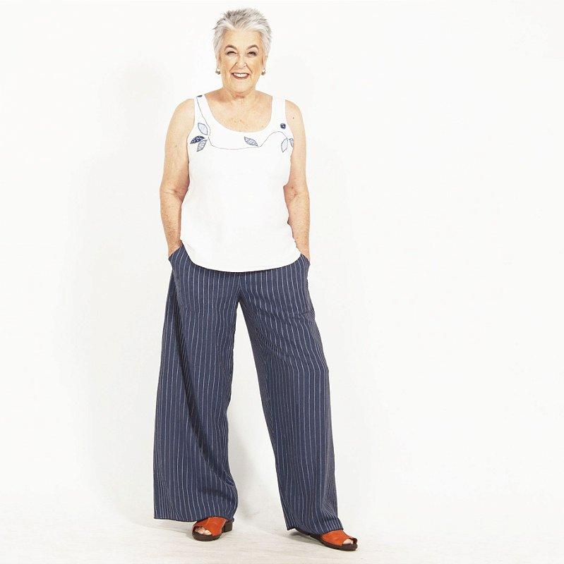 Calça Pantalona Plus Size de Linho Risca de Giz Marinho