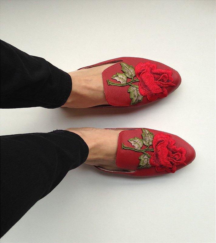 Mule Vermelha com Aplicação Flor