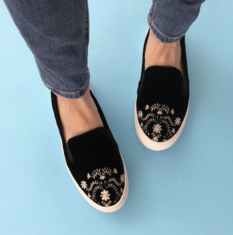 Slip On Bordado Veludo Preto