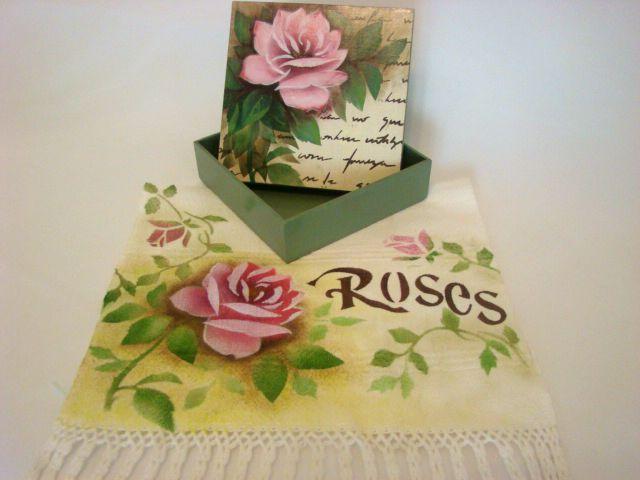 """Kit Caixa MDF e Toalha de Mão """"Roses"""" - Novo!"""