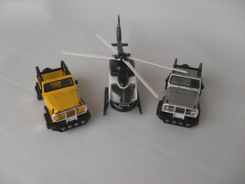 Kit jeep e helicóptero - Semi Novo!