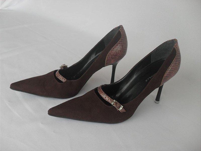 Sapato Camurça Vinho - Novo!