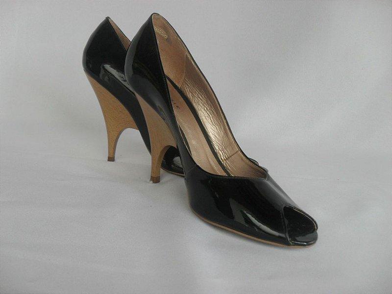 Sapato Verniz Preto - Semi Novo!