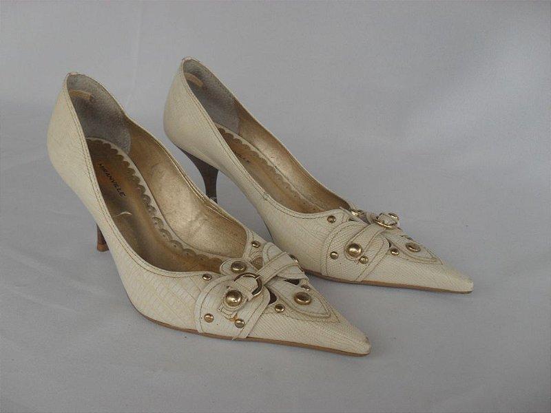 Sapato com Taxas - Usado!