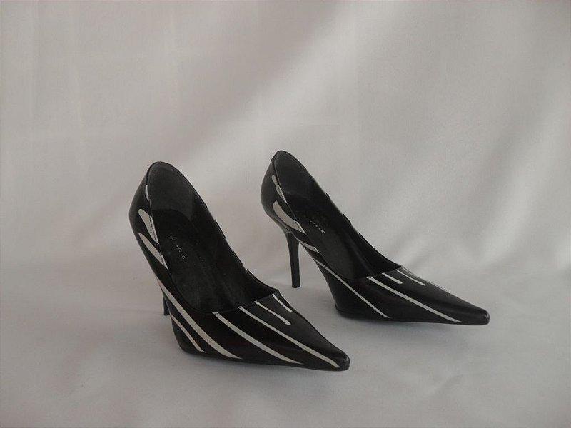 Sapato em Verniz  Preto e Branco - Novo!