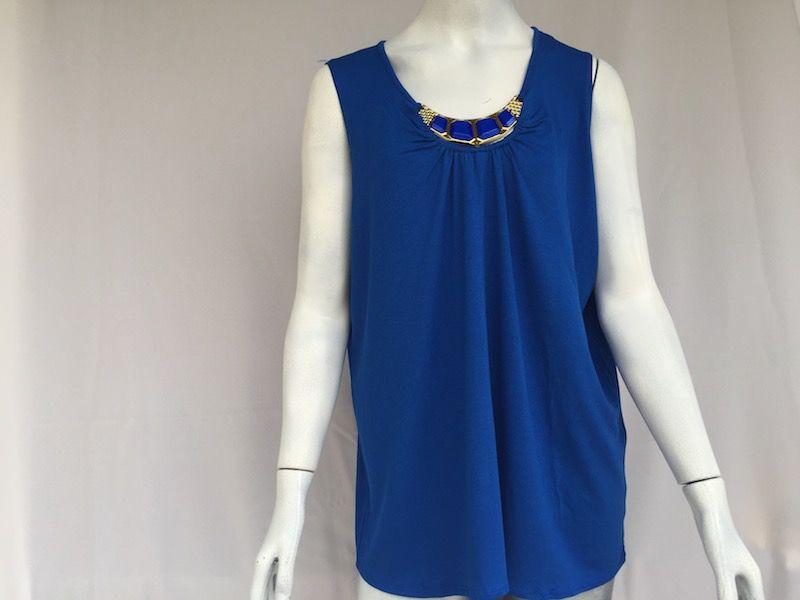 Blusa Azul Royal com Colar Fixo - Nova!