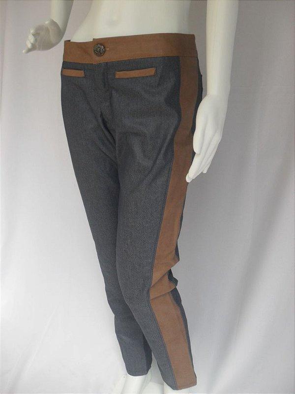 Calça Jeans Recorte - Nova!