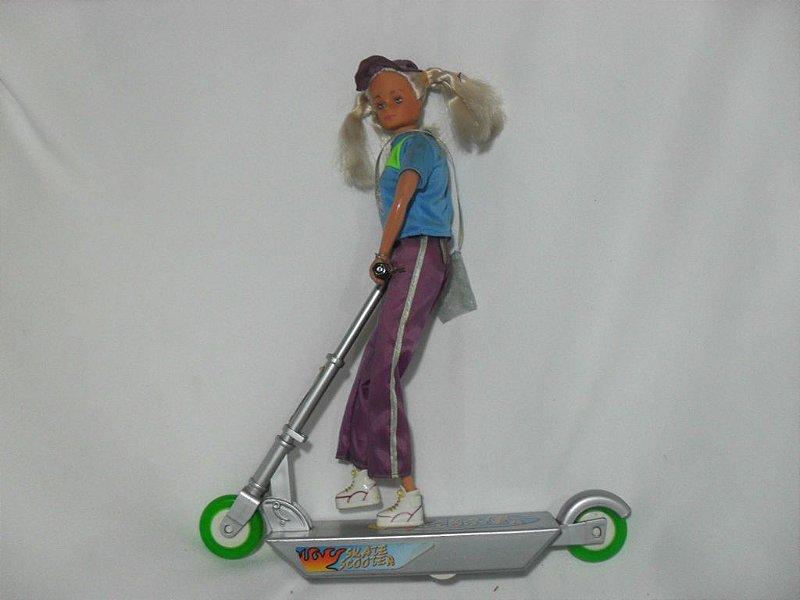 Boneca Susi Skate Scooter - Antiga!