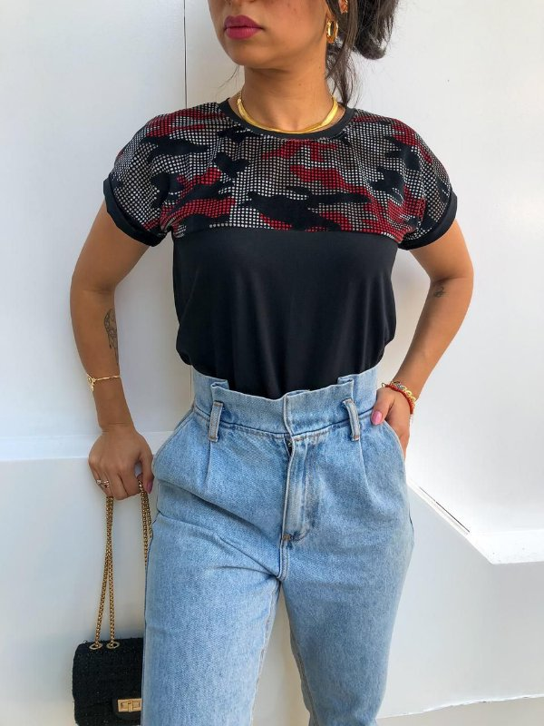 T-shirt com Plush Camuflado