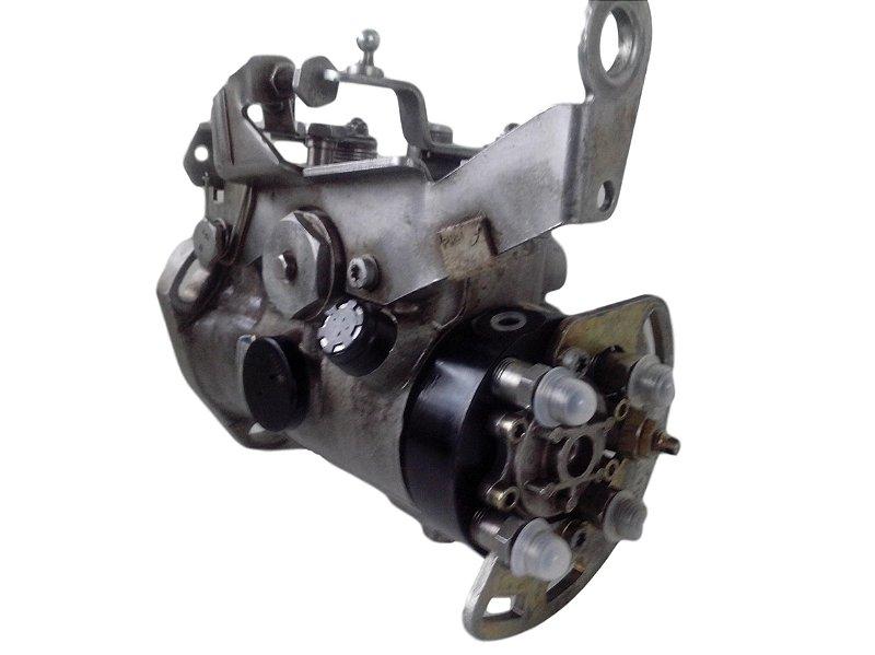 Bomba injetora Trafic VAN motor diesel