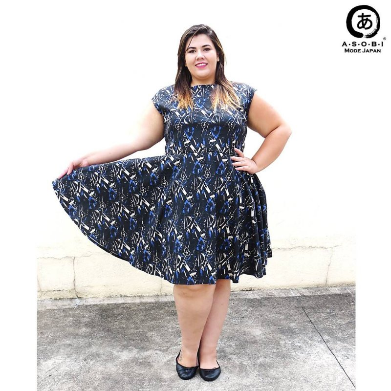 Vestido Plus Size Godet - Mystic