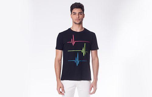 Camiseta Batimentos Cardíacos Preta