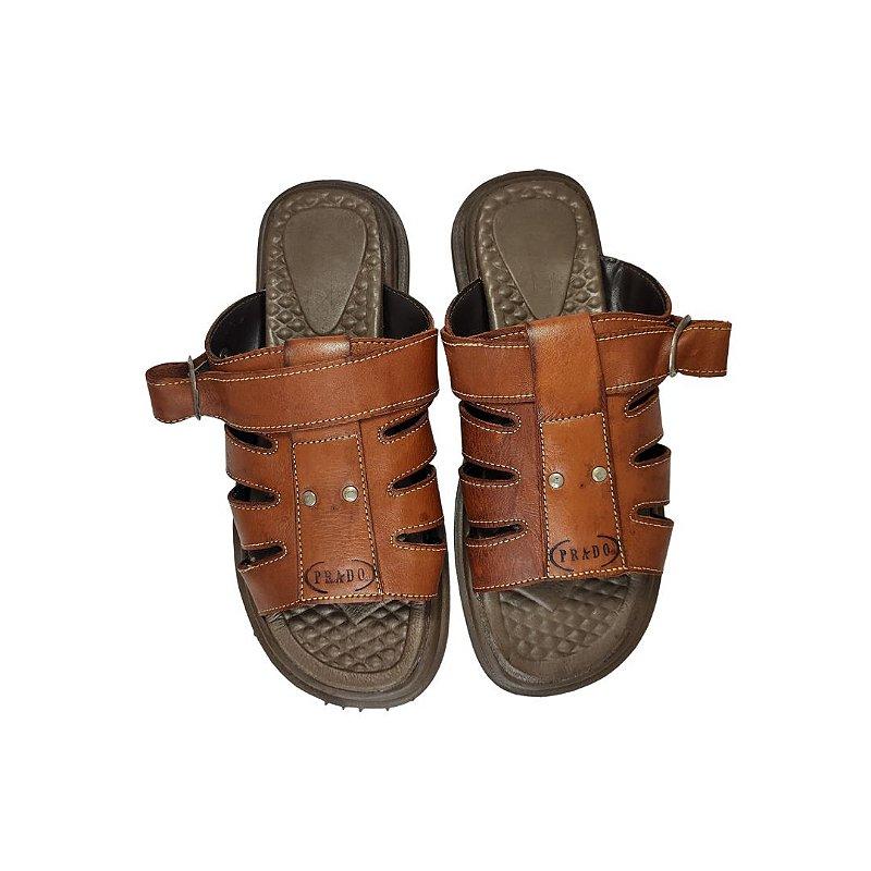Sandália de couro pinhão