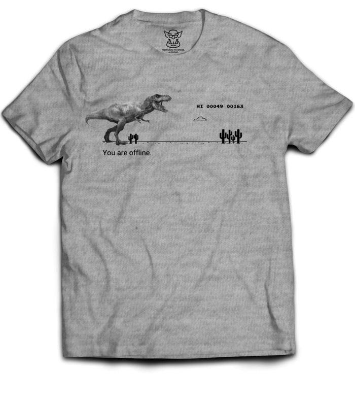 Camiseta preta estampa Exclusiva, faz referência ao jogo T-Rex escondido no navegador Google Chrome que você pode reproduzir somente quando você está offline, e aproveitamos para add um baita T-rex para ter um combo de Jurassic Park