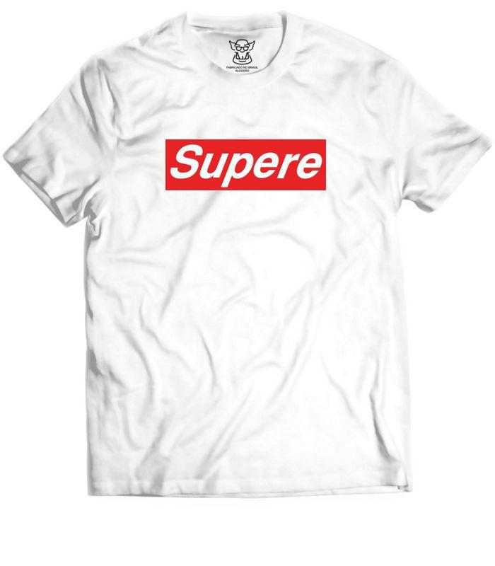 Camiseta com Logo da Supreme sueca para