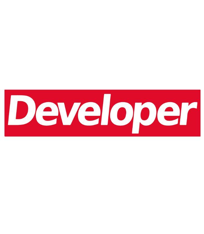 O adesivo Developer faz referência a uma das zoeiras atuais que seria o outfit, então você dev use seu Supreme Developer.