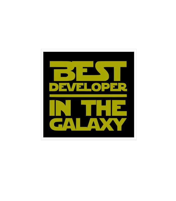 O adesivo programador Best Developer é uma clara referência ao nosso querido Star Wars brincando com a tipografia usada na saga intergalática.