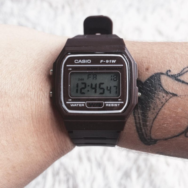 Relógio vintage marrom