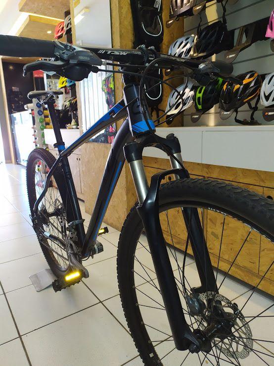 Bicicleta Groove Riff 90 Cinza e Azul Aro 29 Tamanho 19