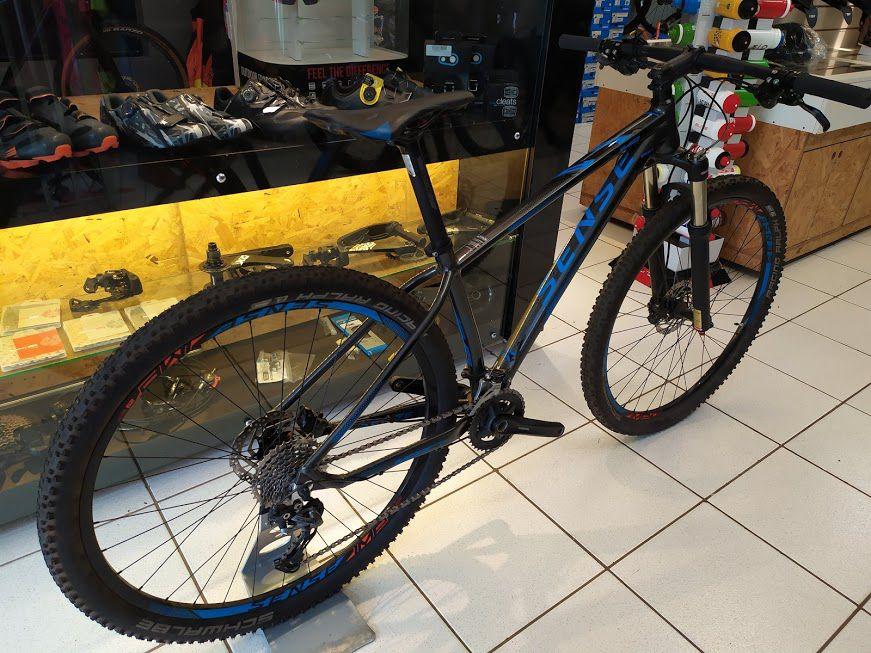 Bicicleta Sense IMP Preto e Azul Tam M Aro 29