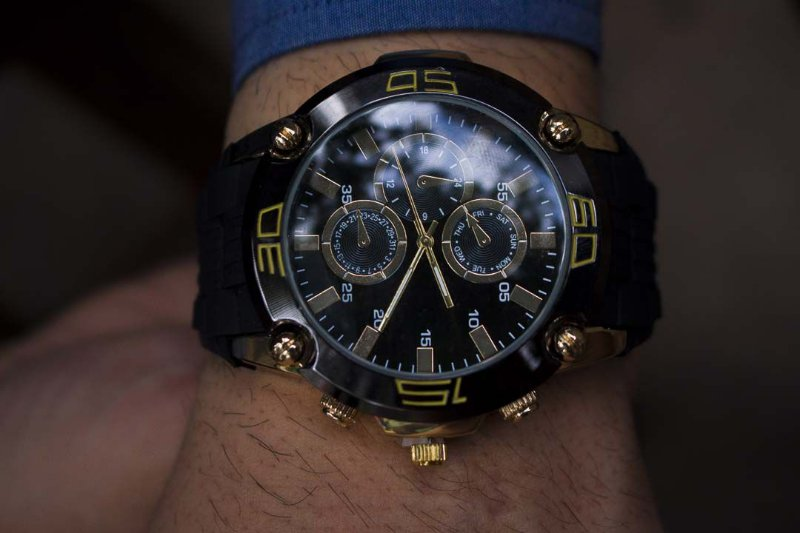 Relógio Cruise - PRETO/DOURADO - Ref.: M1
