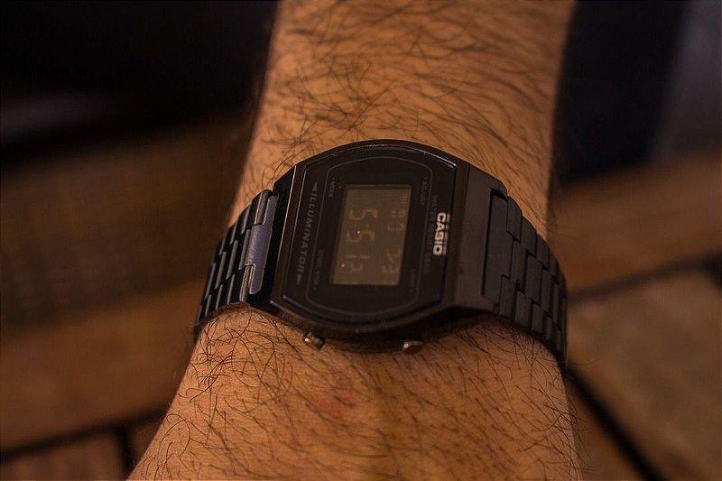 Relógio Casio Retro - Preto - Primeira Linha