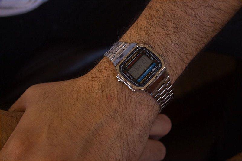 Relógio Casio Retro - Prata - Primeira Linha
