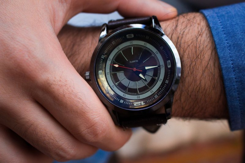 Relógio Aquiles - Preto / Preto