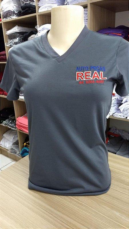 Camiseta gola V bordada Real auto peças