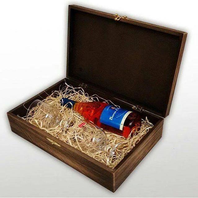 FIM DE ANO - Caixa para bebida e taças