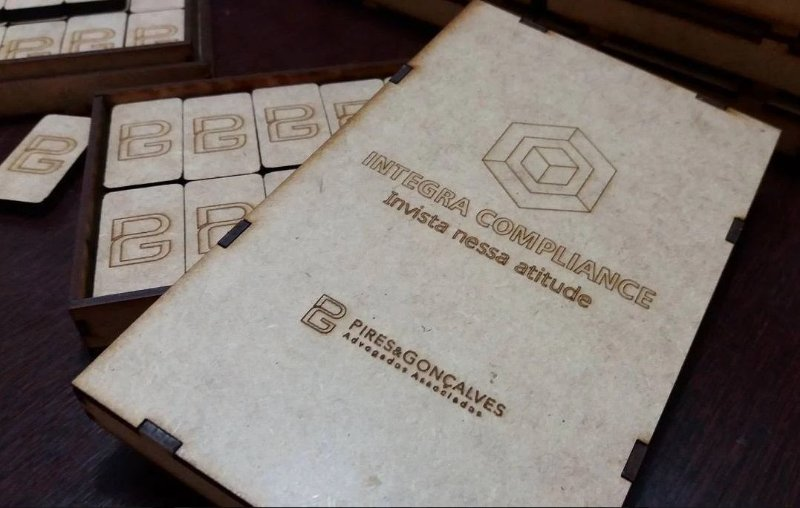 INTEGRA COMPLIANCE - Caixa e dominó personalizados