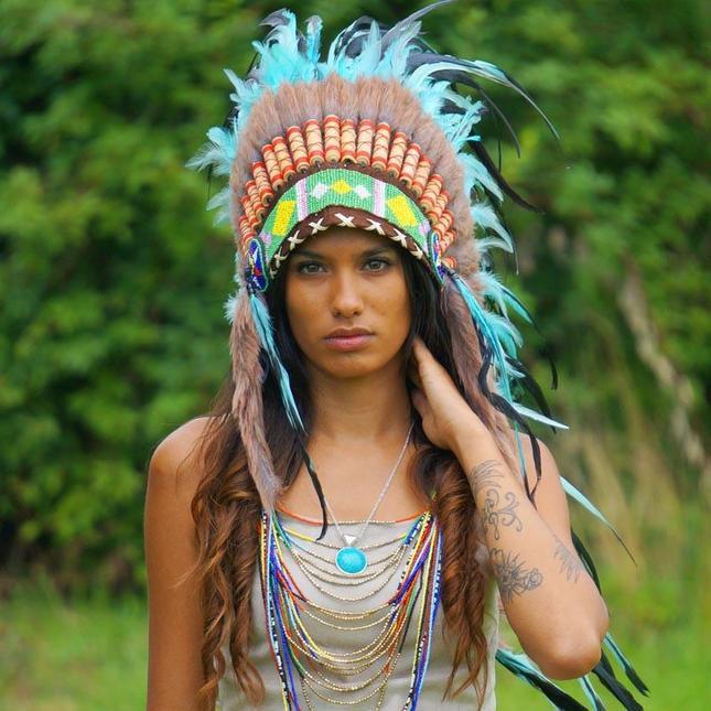 Cocar Indigena Manolo Cocares