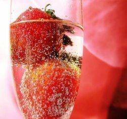 Aroma champagne com morango (apenas para convites em papel reciclado)