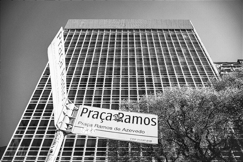 Paisagem urbana - Praça Ramos de Azevedo - © Julio Bomfim - Impressão Fine Art