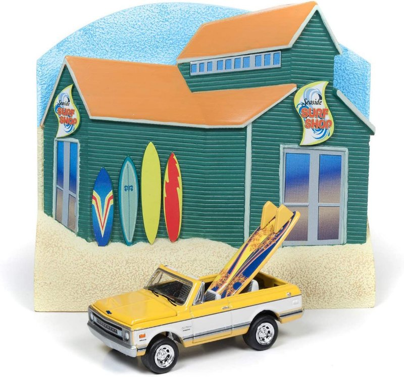 1:64 JOHNNY LIGHTNING DIORAMA SURF SHOP