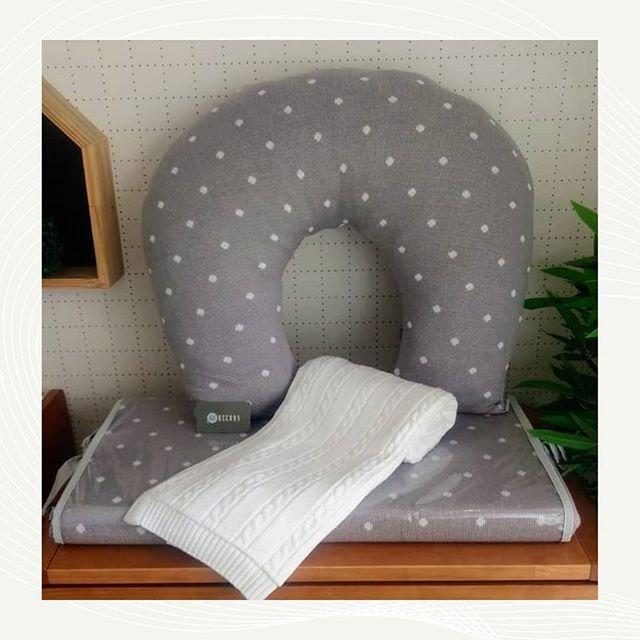Almofada de Amamentação em tricot com poá