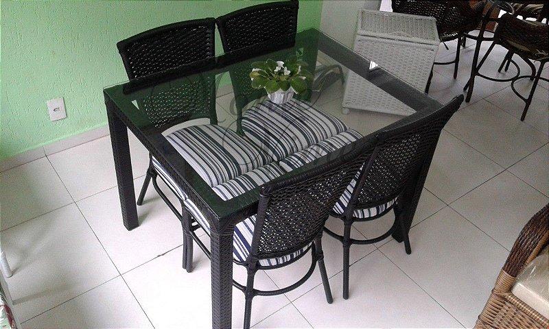 Conjunto de mesa 1.05 x 0.80 com 4 cadeiras Lara