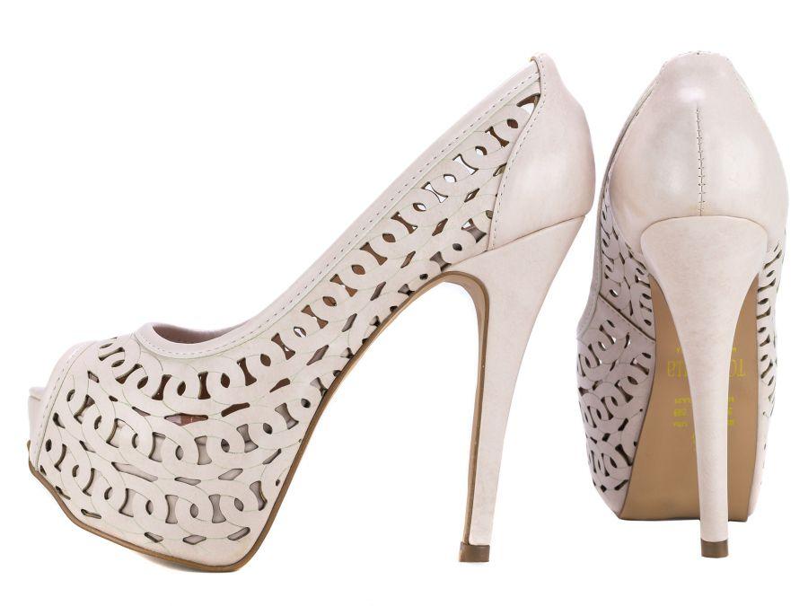Sapato Peep Toe Cortes a Laser
