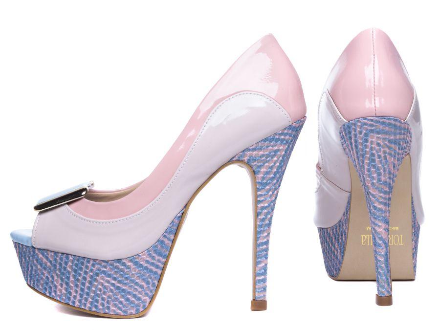 Sapato Meia Pata (Ref: 35.837) Material: Verniz Rose e Verniz Bege;