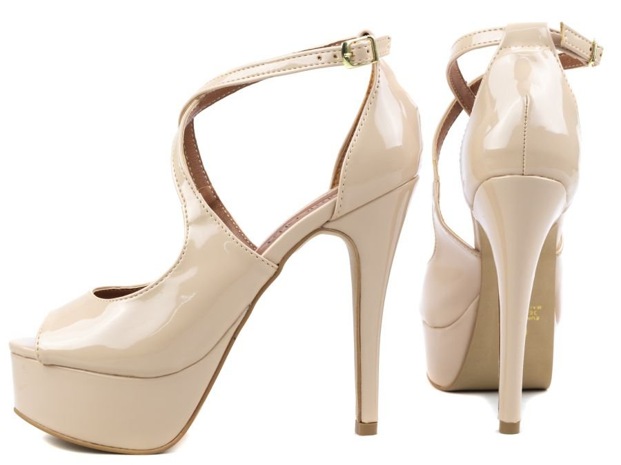 Sapato Peep Toer Verniz Bege