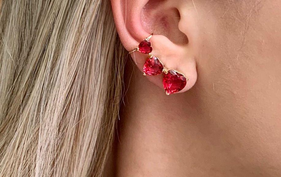 Ear cuff com Pedras Zirconia de Coração Rubi Banhado a Ouro