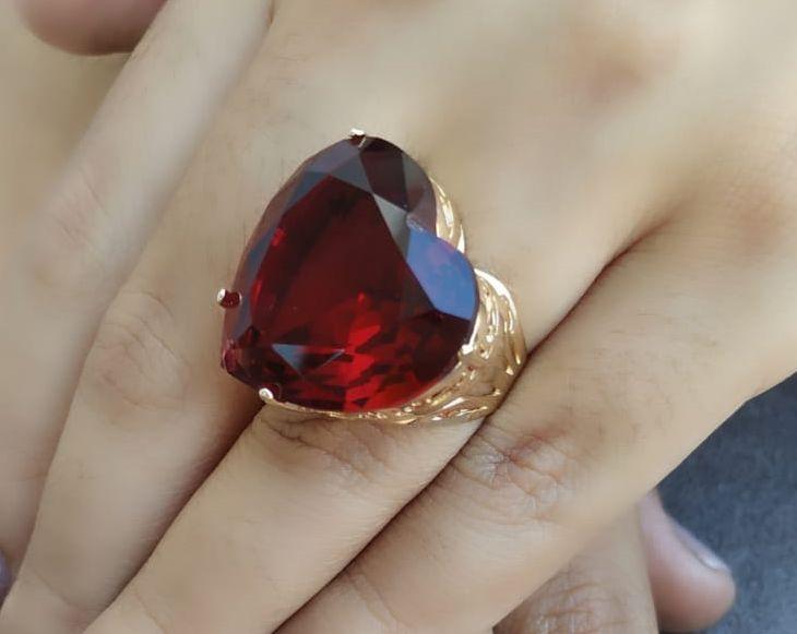Anel de Coração Pedra Grande Vermelho Rubi Banhado a Ouro