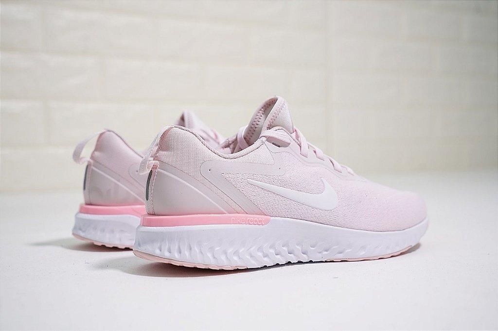 Tênis Nike Epic React Flyknit - Feminino - Rosa Claro - Shoes Hub ... a4548b9972